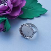 Кольцо с круглой основой