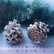 Шишки сосновые в снегу 6см